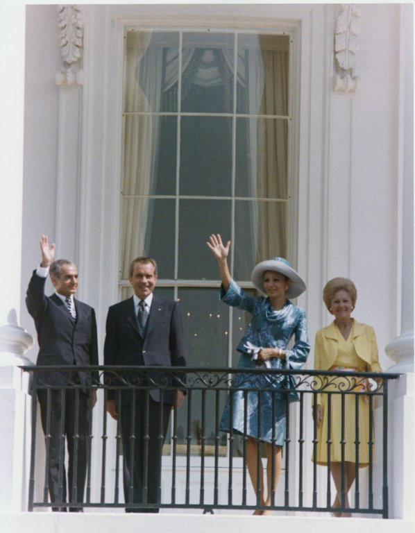Nixon, Mrs. Nixon, Shah of Iran, and